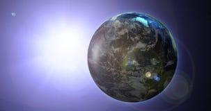 Drehende Erde mit blauem Raum-Sonnenlicht Loopable stock abbildung
