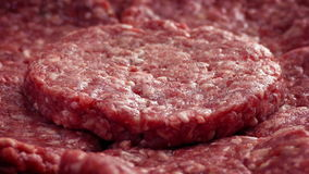 Drehende Rindfleisch-Burger stock video