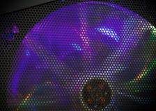 Drehender Gebläsekühler mit bunter LED-Ablichtung stockbild
