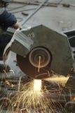Drehender Stahlscherblock lizenzfreie stockfotos