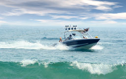 Drehzahlboot lizenzfreie stockfotografie