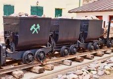 Drei alte Bergbauwagen Stockfotografie