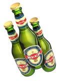Drei Bierflaschen mit den Aufklebern lokalisiert auf Weiß Lizenzfreie Stockbilder