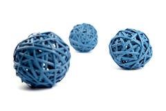 Drei blaue runde Strohe des Netzes Stockfoto