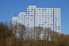 Drei blaue Wohnblöcke Lizenzfreie Stockfotos
