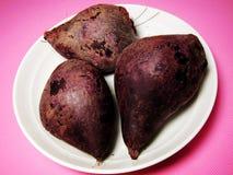 Drei dämpften purpurrote Süßkartoffel Stockbilder