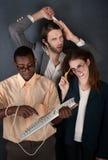 Drei dumme junge Leute stockfotos