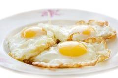 Drei Eier auf einer Platte Lizenzfreie Stockbilder