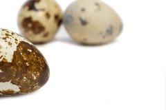 Drei Eier auf getrenntem Hintergrund Lizenzfreies Stockfoto