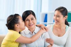Drei Erzeugungen der Frauen stockbild