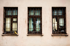 Drei Fenster lizenzfreie stockfotos