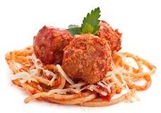 Drei Fleischklöschen mit Spaghettis Lizenzfreies Stockfoto