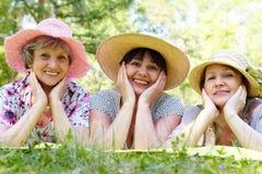 Drei Frauen lizenzfreies stockfoto