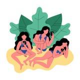 Drei Frauen im Bikinigebrauch ein Smartphone Frauen umgeben durch tropische Blätter stock abbildung