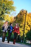 Drei Freundinnen Lizenzfreies Stockfoto