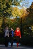 Drei Freundinnen Stockfoto
