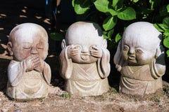 Drei Gartenarbeitdekorationssteine der klugen Anfänger lizenzfreie stockfotos