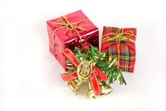 Drei Geschenke auf Weiß Stockbilder