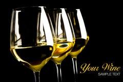 Drei Gläser weißer Wein Stockfoto