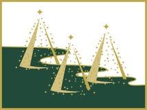 Drei Goldweihnachtsbäume auf weißer und grüner Landschaft Stockfotos