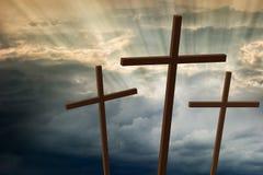 Drei hölzerne Kreuze lizenzfreies stockbild