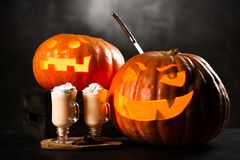 Drei ` Halloweens Jack O Laternenkürbise Lizenzfreie Stockbilder