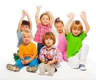 Drei 3-4 Jahre alte Kinder lokalisiert Lizenzfreie Stockfotos