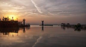 Drei Königreiche Wuxi bei Sonnenuntergang lizenzfreies stockbild