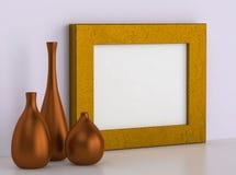 Drei keramische Vasen und goldener Rahmen für Bild Lizenzfreies Stockfoto