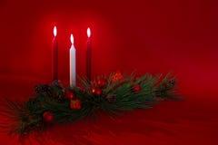 Drei Kerzen Feiertags-Dekoration- Lizenzfreie Stockfotos