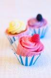 Drei kleine Kuchen Stockbilder