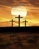 Drei Kreuze auf einem Hügel Stockfotos