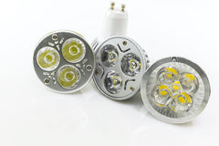 Drei LED GU10 mit verschiedenen Versionen von Chips Stockfotos