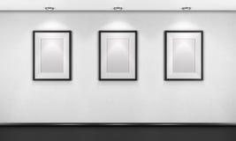 Drei leere Bilder in der Galerie 3d übertragen Stockbild