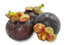Drei Mangostanfrüchte Stockbilder