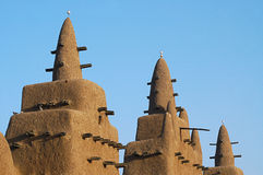 Drei Minaretts auf Djenne Schlammmoschee Stockfotos