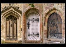 Drei mittelalterliche Türen in einem Triptychon lizenzfreies stockbild