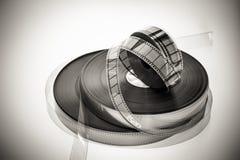 Drei 35mm Filmspulen in Schwarzweiss Stockfotos