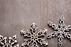 Drei openwork Weihnachtsschneeflocken Stockfoto