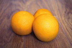 Drei Orange Pasboden Lizenzfreies Stockbild