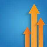 Drei orange Pfeil-Wachstums-Blau-Hintergrund Lizenzfreies Stockfoto