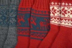 Drei Paare der traditionellen woolen Socken Stockfotos