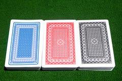 Drei Plattformen auf dem Spielen der Tabelle Stockfotos