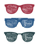 Drei Retro- Sonnenbrillen mit Typografie in ihr. Lizenzfreie Stockbilder
