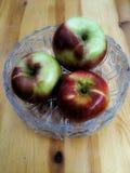 Drei saftige Äpfel stockfoto