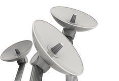 Drei Satellitenschüsseln Stockfotografie