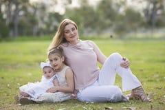 Drei schöne Damen stockbild