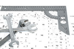 Drei Schlüssel und Tabellierprogramm auf der Zeichnung. Lizenzfreies Stockbild