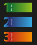 Drei Schritte nummeriert in den verschiedenen Farben Stockfotos