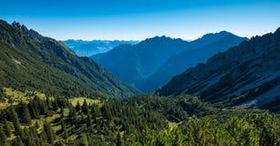 Drei Schwestern und die Schweiz, Österreich und Liechtestein Lizenzfreies Stockfoto